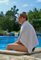 Nicky-by-pool2