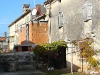 Screenable red-brick extension, next door in Istria