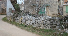 Neighbour's old stone wall to be replaced