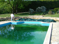 P opening pool for cleaning