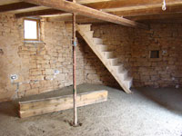 Ground floor barn with concreted floor & support beams in Kovaci, Istria