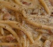 Pljukanci in creamy mushroom sauce